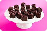 Bombons de Chocolate Recheados com Creme de Cacau e Avel�s com Pralin�